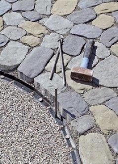 Braun Steine Stahlnagel